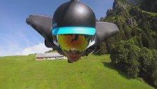 İsviçre Dağlarında Wingsuit ile Uçan Adam