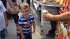 Maraş Dondurmacısının Eline Düşerek Çılgına Dönen Çocuk