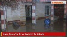 İzmir Çeşme'de Ev ve İşyerleri Su Altında