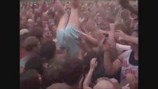 Crowd Surfing Tacizi - Katy Perry