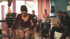 Ceyl'an Ertem - Bile İsteye (Akustik Performans)