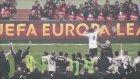 Demba Ba, Beşiktaş Liverpool Maçı Sonu Taraftarlara Üçlü Çektirdi