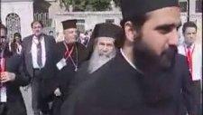 Elini Öpeyim Hacı Amca - III.Theofilos