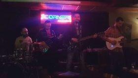 Volkan Koşar-Bu Elmanın Yarısı(Live)