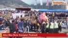 Altın Muz Deve Güreşleri Festivali