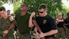 Taylandlı Askerlere Şok Tabancası Testi