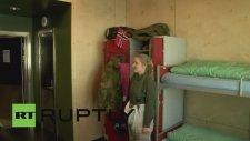 Kadın ve Erkek Askerlerin Aynı Ranzada Yatması