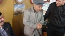 Taklitçi Mustafa Amca (Fütursuzca Gülen Adam'ın Hemşehrisi)