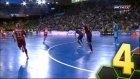 Barcelona'nın Futsal Kalecisi Şov Yaptı