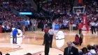 Orta Sahadan Basketi Attı, 25 Bin Dolar Kazandı!