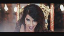 Hande Yener - Sebastian (feat. Volga Tamöz)
