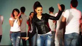 Ayşe Dinçer - Penguen Dansı