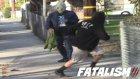 Sokakta Silah Düşürme Şakası