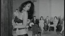 Sevda Ferdağ'dan Erotik Dans