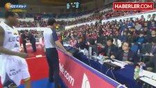 ABD'li Basketbolcudan Kore Milli Marşı'na Büyük Saygısızlık