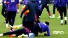 Barcelona antrenmanında komik anlar