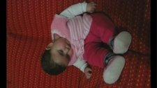 Kızımın Uyku Anı. Eee Kızımaaa