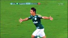 Robinho'dan yılın golüne aday gol!
