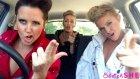 Şarkıları Yeniden Canlandırarak Eğlenen Yetenekli 3 Kadın