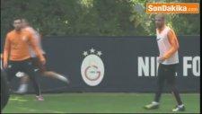 Galatasaray'da Melo, Manisaspor Maçının Kadrosuna Alındı