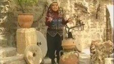 Bedia Akartürk - Kesik Çayır (Konya Kaşık Oyun Havası İçerir)