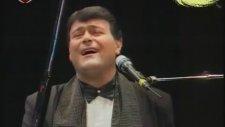 Ferdi Özbeğen - Siyah Tuşlar (Piyanist)