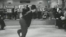 Charlie Chaplin - Je Cherche Apres Titine (Modern Times)