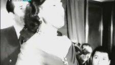 Müzeyyen Senar - Bursalı Mısın Kadifeli Gelin (1951)