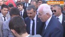 Mustafa Kamalak ve Mustafa Destici, Vatandaşları Selamladı