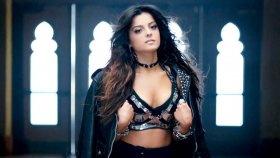 Bebe Rexha - I'm Gonna Show You Crazy