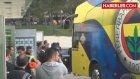 Fenerbahçe Otobüsüne Bursa'da Su Şişeli Saldırı