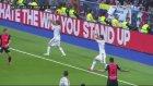 Real Madridli Futbolcuların Müthiş Taç Organizasyonu