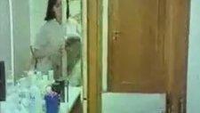 Hoşgeldin Gülüm - Küçük Emrah Tuvalette