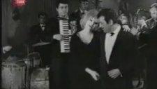 Sadri Alışık & Ajda Pekkan - Haykırıyorum ( Şakayla Karışık )
