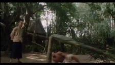Jean Claude Van Damme - Ağaç Devirmek