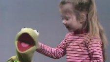 Kermit ve Joey Alfabeyi Saymak - Susam Sokağı