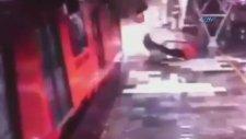Tren Kazası Kamerada!