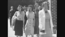 1938 Yılında Cep Telefonu ile Konuşan Kadın