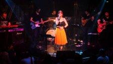 Gülden Mutlu - Mor Menekşe (Jolly Joker İstanbul Performans)