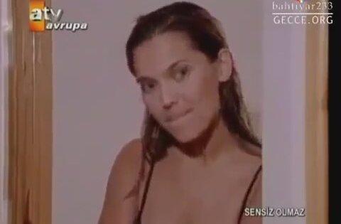 Emel Aydan Sevisiyor Yesilcam SexRus porno izle bedava