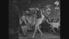 1968 Yılından Elizabeth Taylor Fashion Show Görüntüleri