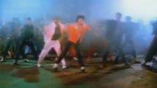 Michael Jackson - Beat It (1982)