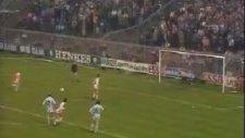Johan Cruyff - Penaltı Pası