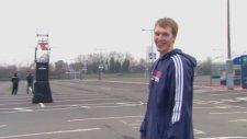 Otobüsün Ötesinden Basket Atmak - Kyle Singler