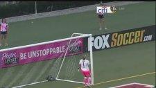 ABD'li Kadın Futbolcu Alex Morgan'dan İbrahimoviç Tarzı Gol
