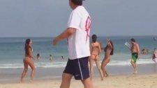Brezilya Plajlarında Sıradan Bir Gün
