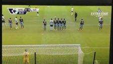 Tottenham Maçında Taraftarın Sahaya İnip Frikik Kullanması