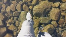Cam Gibi Donmuş Gölde Yürümek