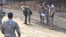 20 Kilometre Koşup Bitiş Çizgisini Zor Geçen Asker