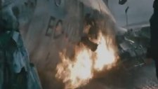 Aşırı Gerçekçi Uçak Düşüş Sahnesi - Knowing (2009)
